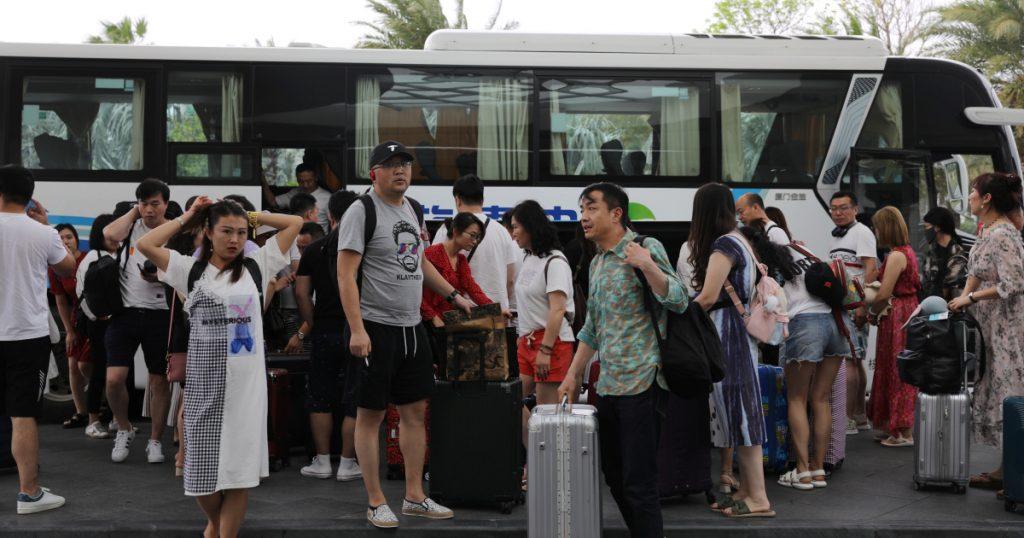 China's virus-free 'Hawaii' sees tourism boom    China News