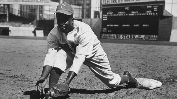 MLB promotes Negro leagues to 'Major League' status