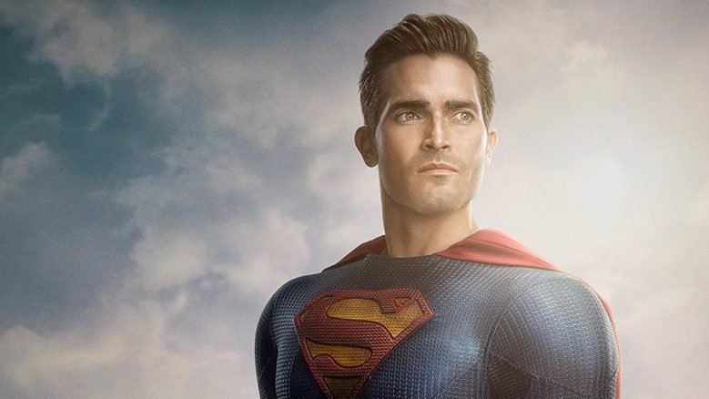 Superman & Lois Reveals First Look at the Man of Steel