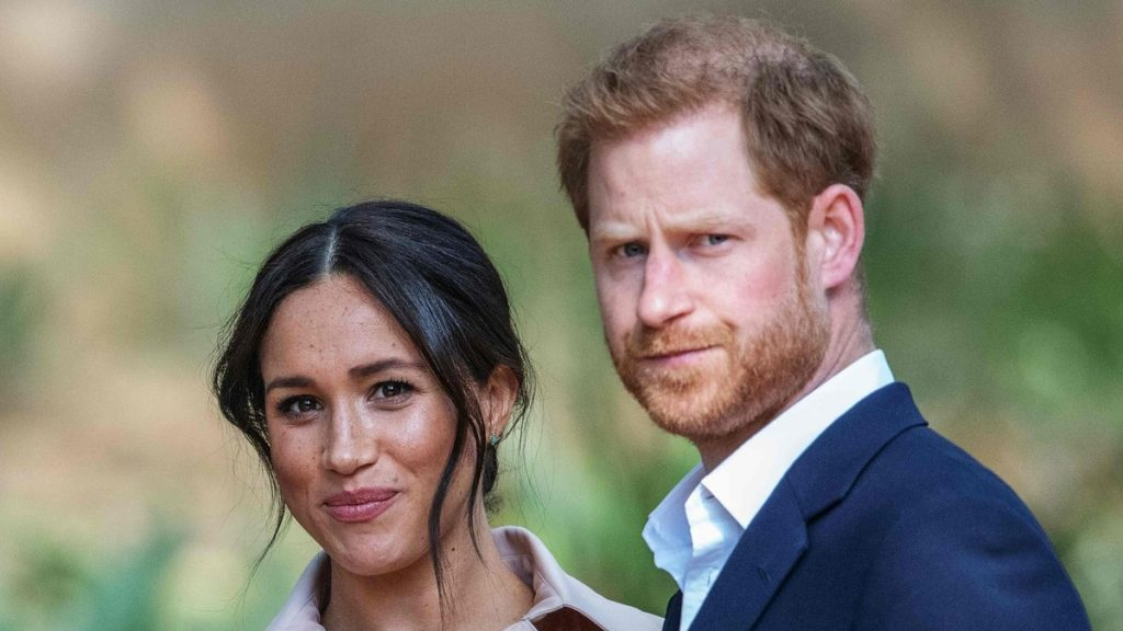 The first 'non-royal' greeting card for Meghan and Harry