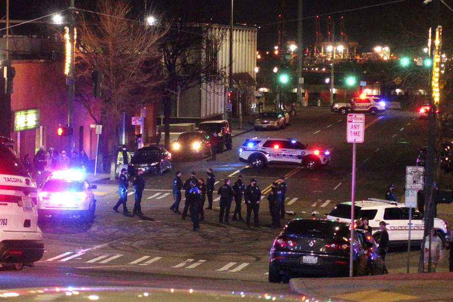Tacoma    At least one person was injured in the police car