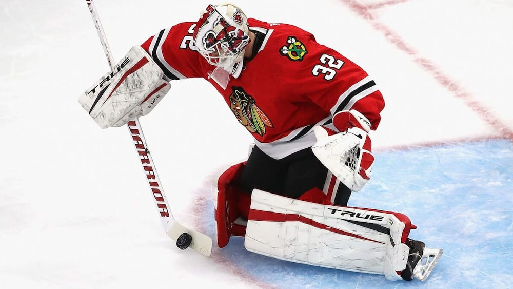 Black Hawks goalie .No hesitation