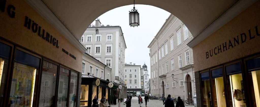 For variant fear, Austria extended its confinement
