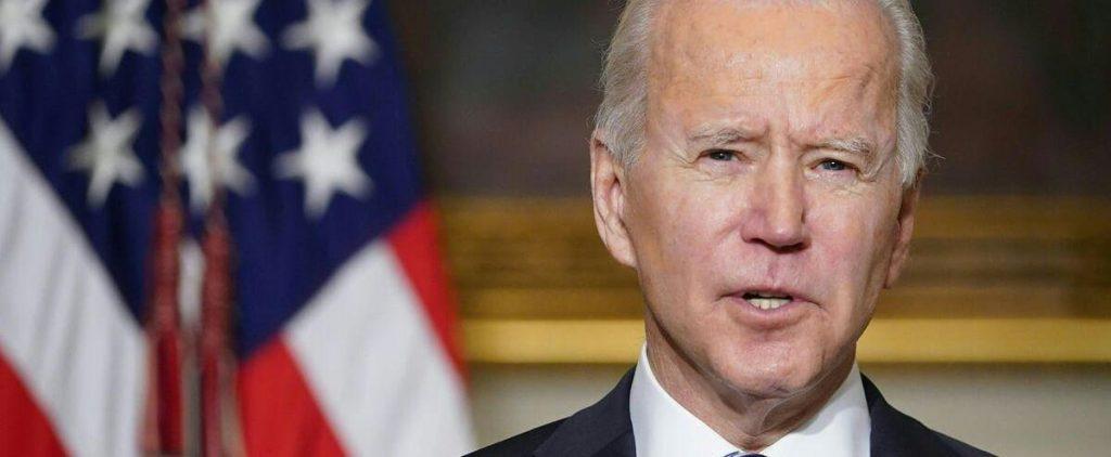 Joe Biden begins his term with a popularity that Trump has not seen