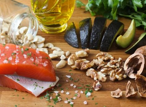 Lack of fatty acids, trigger for multiple sclerosis