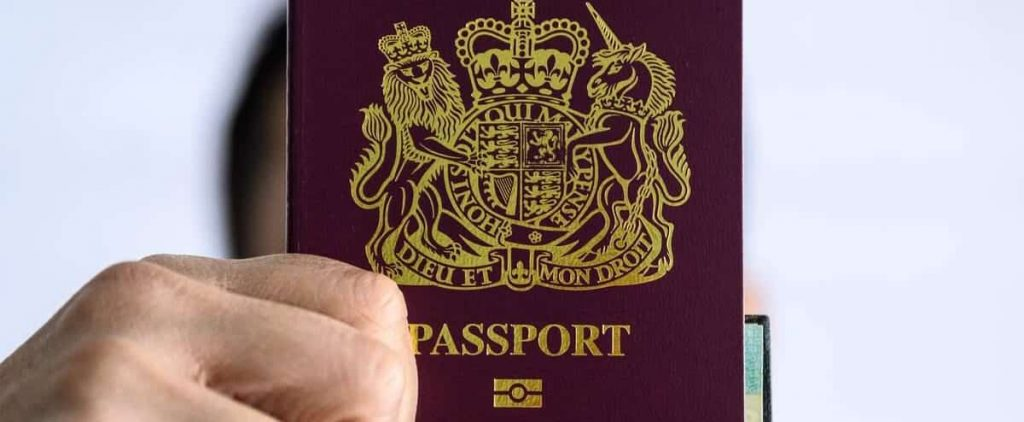 London offers more visas to millions of Hong Kong people