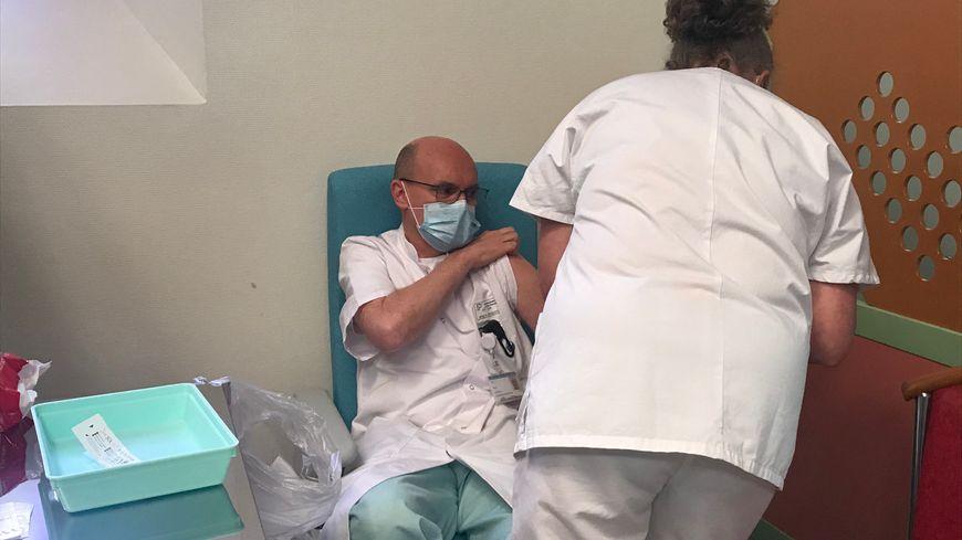 La vaccination a débuté mercredi 6 janvier au Centre Hospitalier de Bayonne