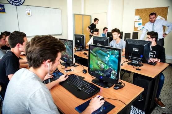 The center offers an online tournament on France Gaming Tour Valerant