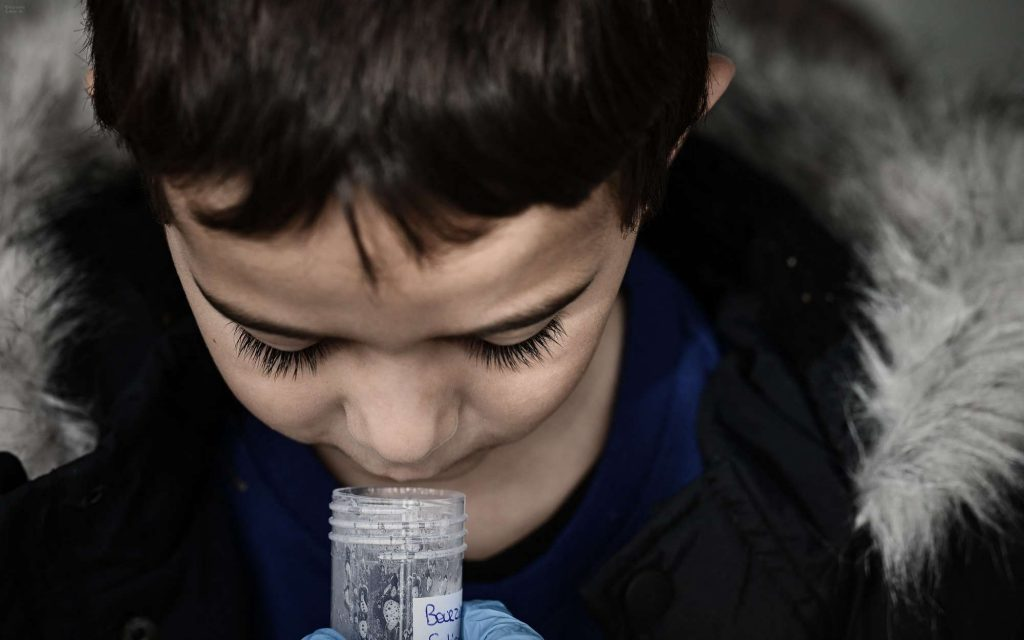 """""""It hurts less"""" than in the nose: a Gironde school is experimenting with saliva tests"""