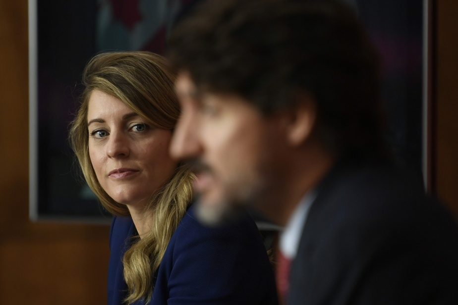 """Official languages in the workplace 