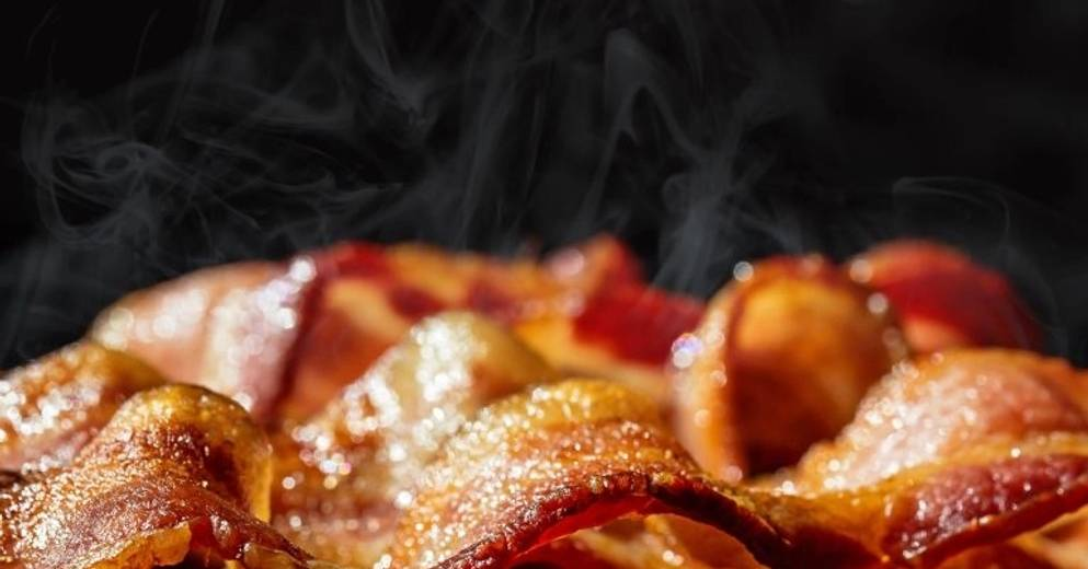 Health |  Eating processed meat is associated with the risk of dementia