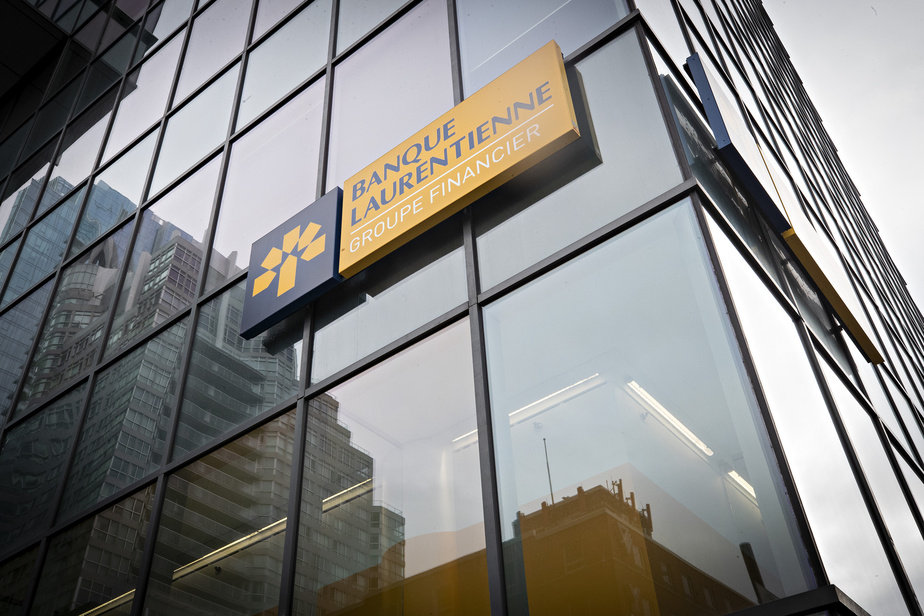 Laurentian Bank |  Union employees in favor of revocation of union certification