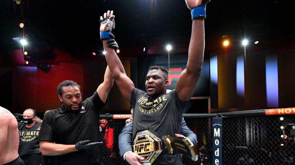 UFC - Francis Ngannow becomes champion