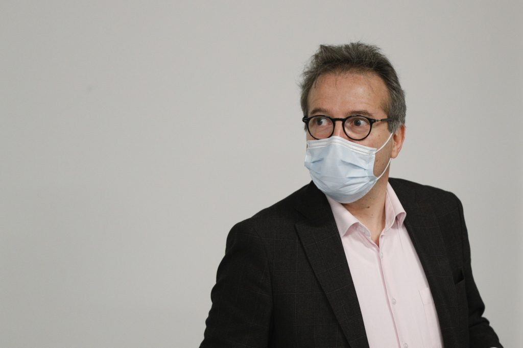 """""""We do not vaccinate to please the government,"""" maintains Martin Hirsch"""