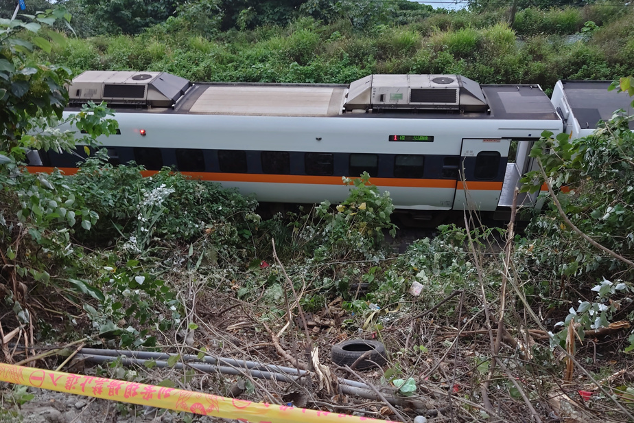 Taiwan |  More than 50 people were killed when the train derailed