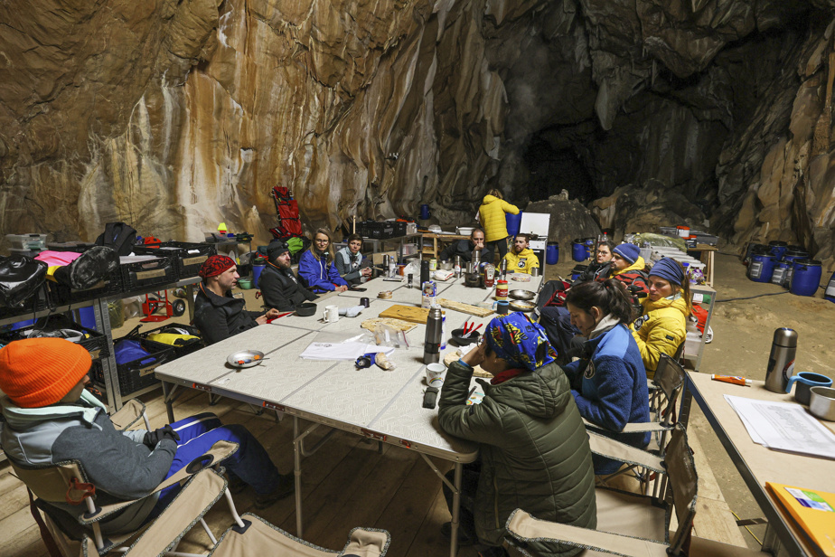 France |  40 days in a cave for an experience