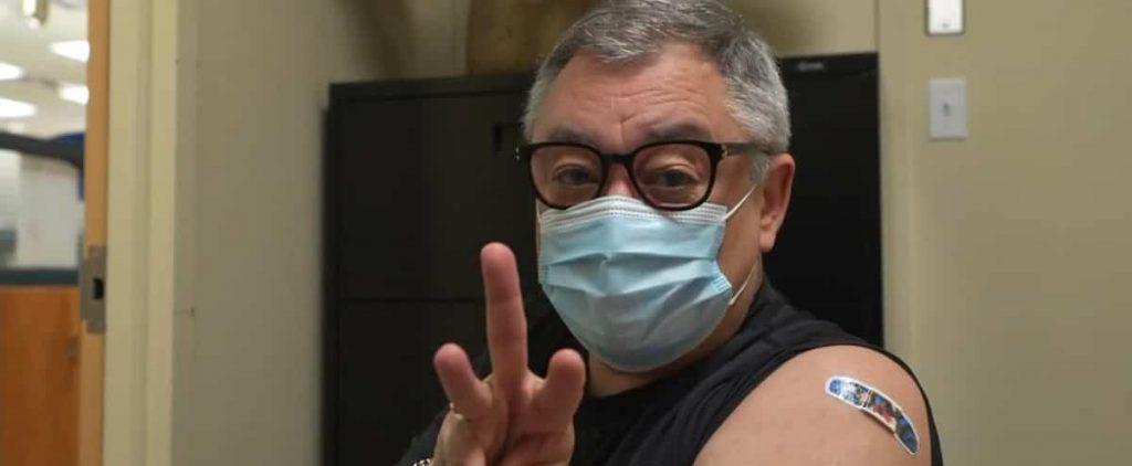 [EN IMAGES] Horacio Arruda takes his first vaccine