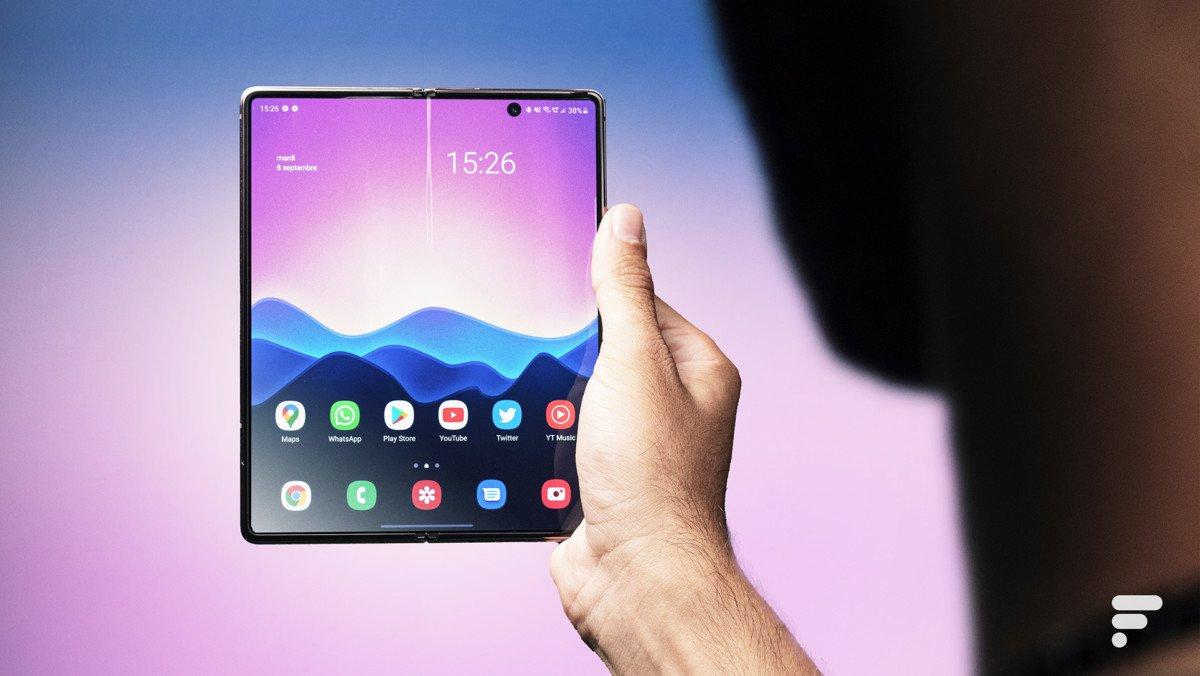 Samsung Galaxy Z2 big screen