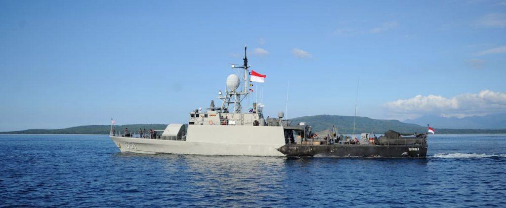 "Missing submarine ""sinks"" in Bali"