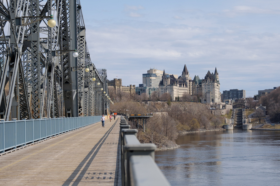 Montreal Public Health |  Concerns about lack of border controls with Ontario