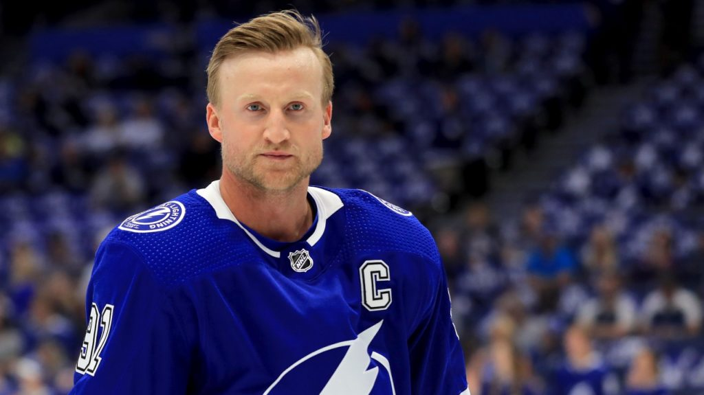 NHL: Steven Stamkos will miss at least 10 games on the long-term injury list