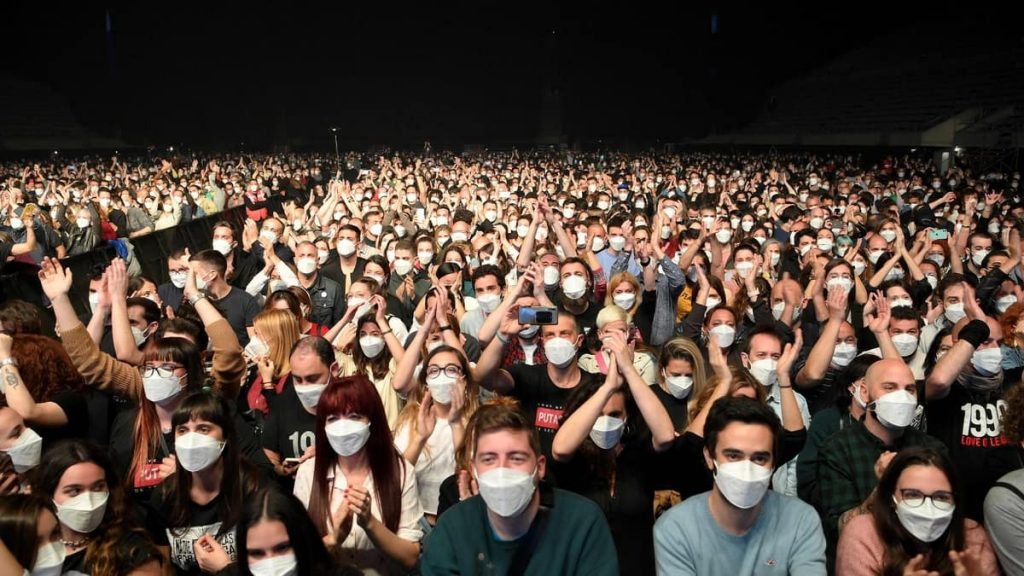 """""""No sign of infection"""" after a 5,000-person test concert in Barcelona"""