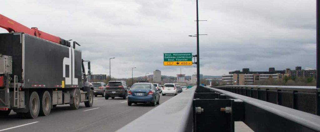 Quebec-Ontario border closure: a transportation challenge