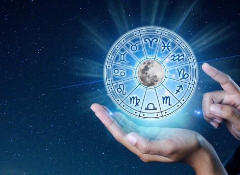 Do we really believe in our horoscope?