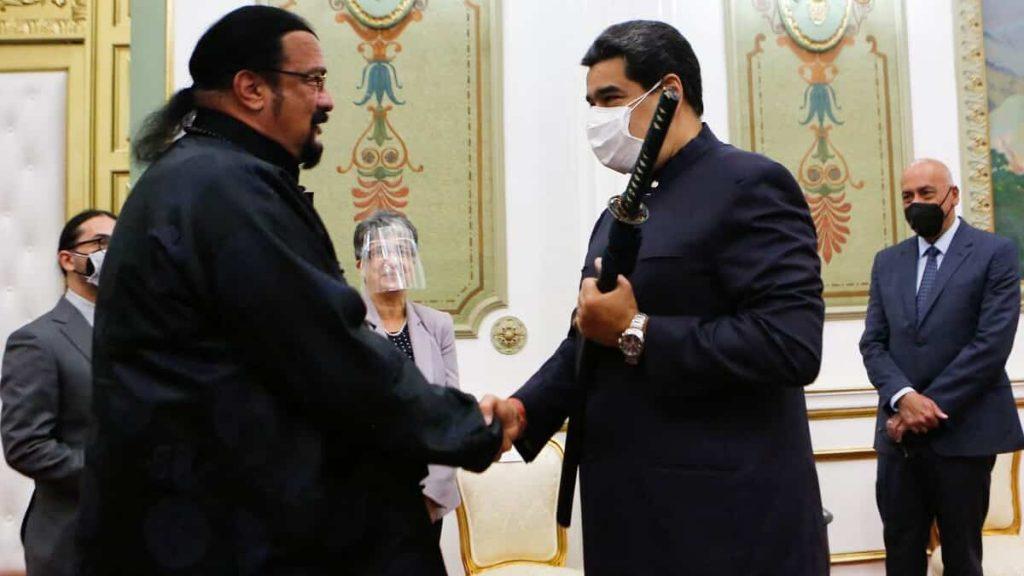 Venezuela: Steven Siegel gave a saber to Nicolas Maduro