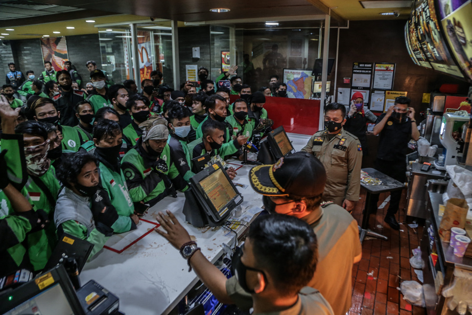 COVID-19 in Indonesia    K-pop group BTS 13 causes McDonald's to close
