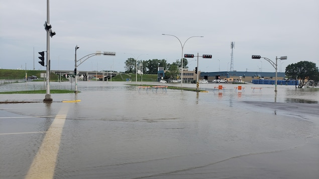 The Boulevard des Recollets was closed Sunday due to flooding