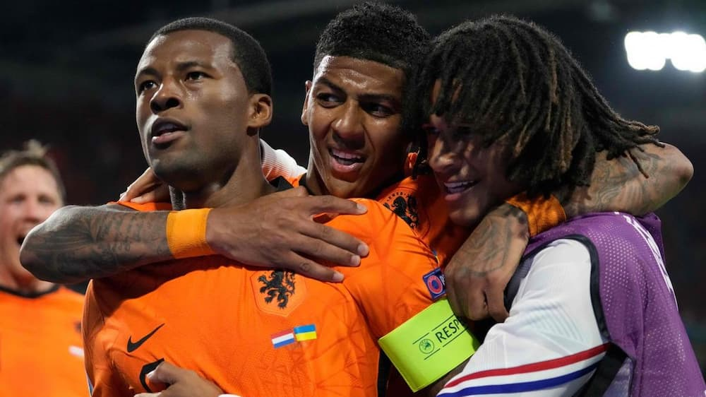 The Netherlands won the first Euro match of the madman!