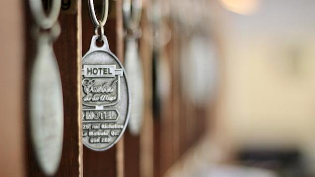 Room keys at the Hotel-Motel Castelle de la Mer in La Malby