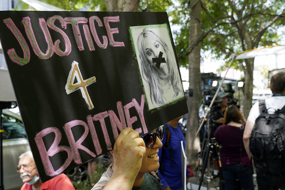 In tears, Britney Spears calls again to lift her guardianship