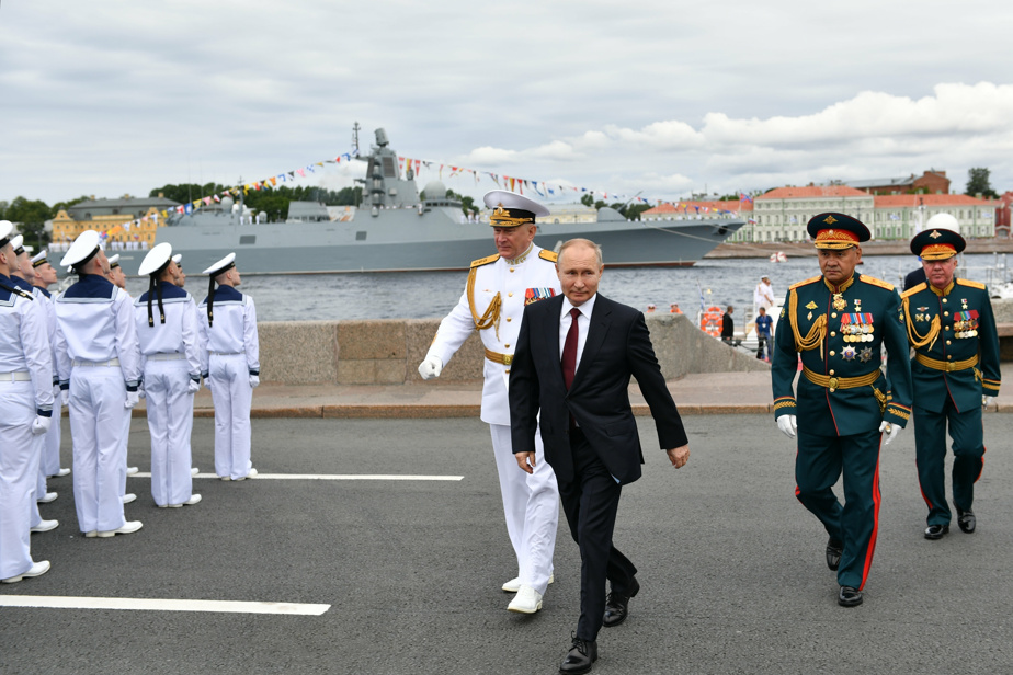 """According to Putin, the Russian navy is capable of destroying """"any target"""""""