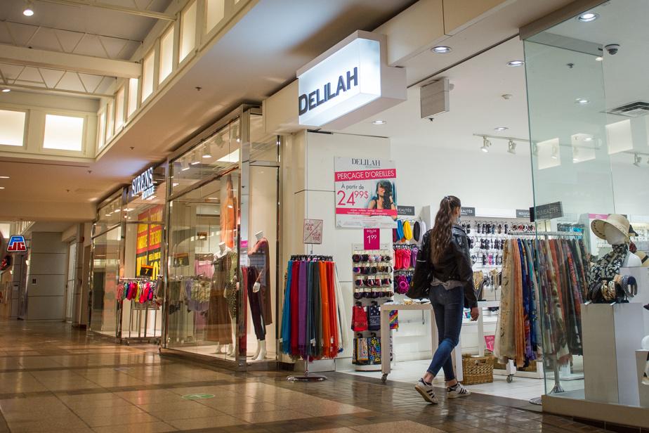 Blue line extension |  Le Boulevard Shopping Center is open
