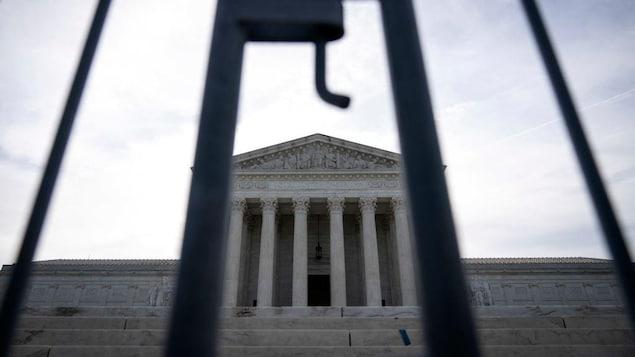 U.S.  Supreme Court upholds Arizona election laws