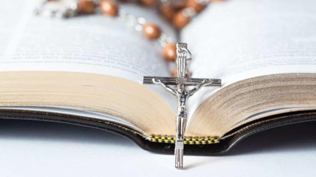 United States: Catholic Church leader resigns amid moral scandal