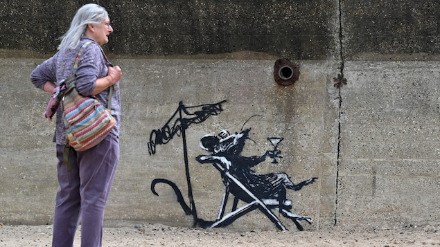 Banksy noted that new works had appeared on the walls in England