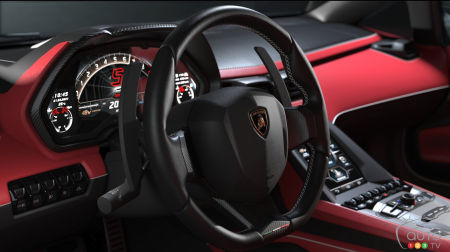 Lamborghini Countach LPI 800-4, Volant