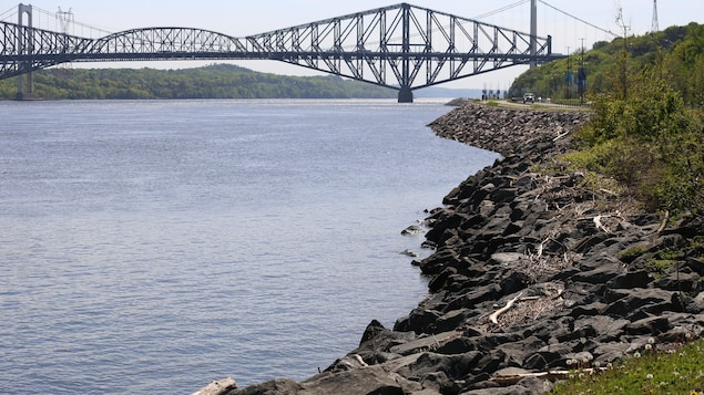Pont de Quebec: Purchased by Ottawa was delayed