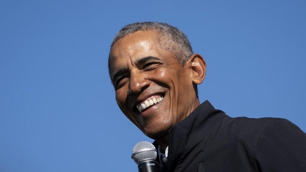 Barack Obama dances on the night of his 60th birthday