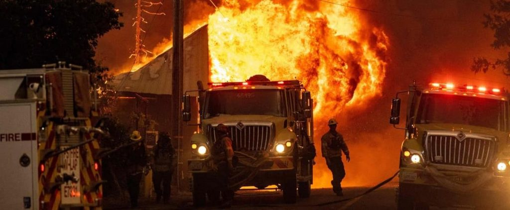 Fire in California: 2,000 new evacuations, a small town destroyed