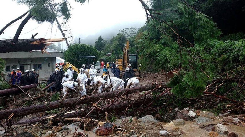 Floods and landslides: evacuation order for one million people in Japan
