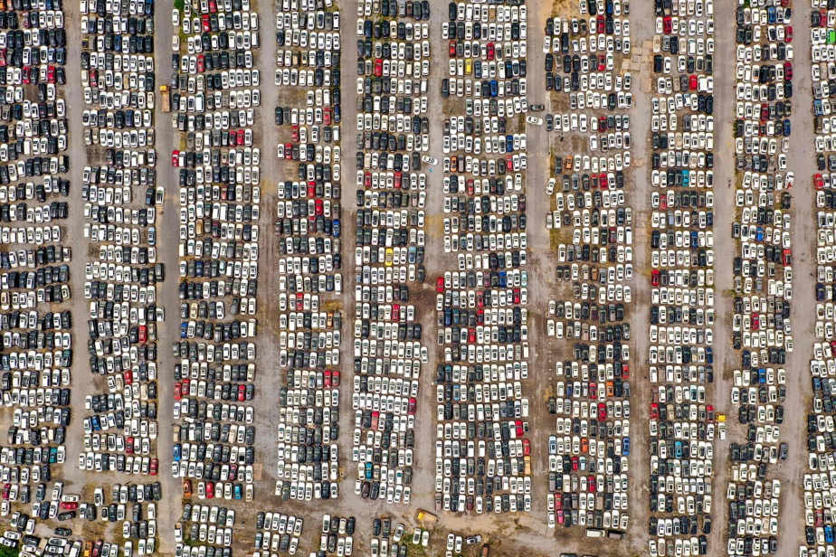 In China, a huge car cemetery after the floods