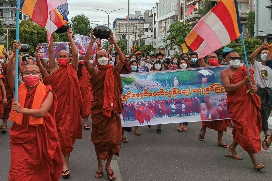 Burma |  The monks protested against the military