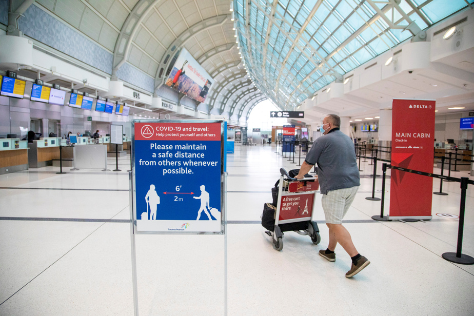 Customer satisfaction    Pearson Airport runs from second to last