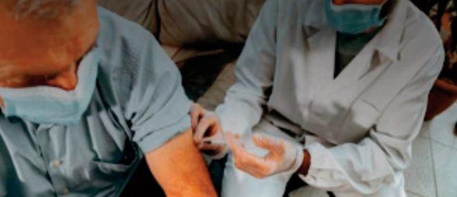 Être double vacciné réduit de moitié les risques de Covid long