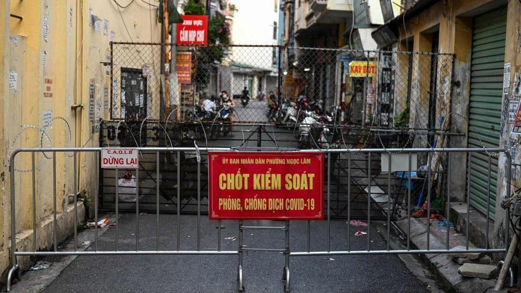 Hà Nội biến thành nhà tù Hanoi-has-been-turned-into-an-open-prison-to-fight-1024x576