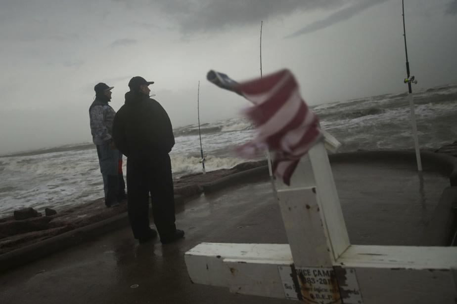 Hurricane Nicholas becomes a hurricane and makes its way to Houston
